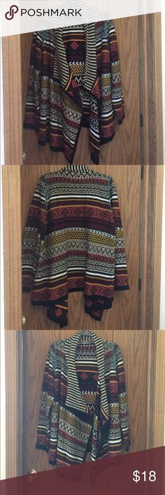 Maurice's sweater size 2X. Tribal print like new Maurice's 2x sweater tribal print😍. Goes with everything and you'll get tons of compliments Maurices Sweaters Cardigans