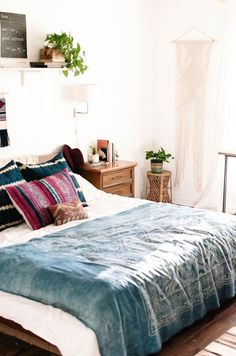 An eye-catching bohemian bedroom  #bedroom #bedroomdesign https://www.mrsjonessoapbox.com/