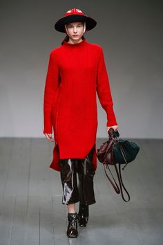 http://www.vogue.co.uk/shows/autumn-winter-2018-ready-to-wear/eudon-choi/collection
