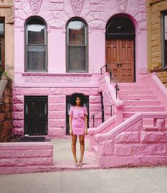 Talk about our dream doorstep! This pink doorstep is definitely a place we would like to travel to or even call home!