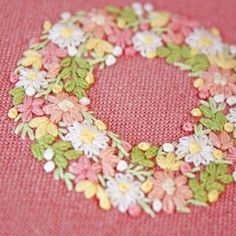 * . . . #刺繍#手刺繍#ステッチ#手芸#embroidery#handembroidery#stitching#needlework#자수#broderie#bordado#вишивка#stickerei
