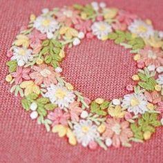 * . 🌸🌸🌸🎶 . . #刺繍#手刺繍#ステッチ#手芸#embroidery#handembroidery#stitching#needlework#자수#broderie#bordado#вишивка#stickerei