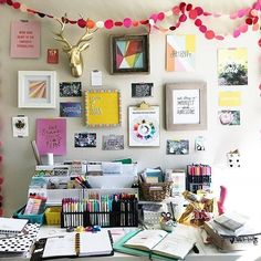Who wants to just slide into that beautiful workspace and start creating? Photo and space by @hellopaperaddict . . . #craftroom #craftspace #creativespace #homeoffice #homestudio #craftstudio