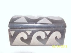 vintage oaxacan pottery box - black clay through and through, the light is just where the box was etched...beautiful!
