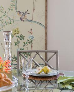 Яркий интерьер кухни-столовой в стиле шинуазри