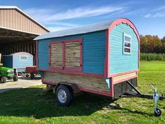 Daphne's Caravans: Magical Gypsy Caravans, guest spaces or retreats Home Made Camper Trailer, Camping Trailer Diy, Homemade Camper, Diy Camper, Gypsy Wagon, Gypsy Caravan, Painting Bathtub, Small Campers, Bathtub Remodel