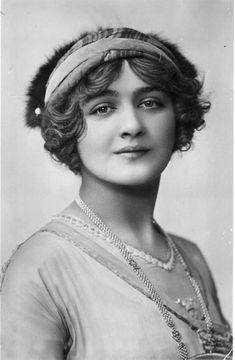 Actress/Singer Elsie Hodder Cotten aka Lily Elsie, 1886-1962, England