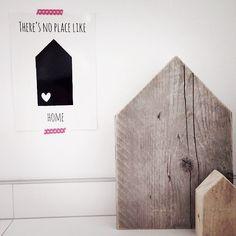 Instagram en foto door: echtvanhout  | ★VanPauline.nl - Interieurkaarten A5 - bestellen via post@vanpauline.nl   - small wooden house from Bloomingville