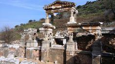 Izmir: Escursione ad Efeso. Il tempio di Adriano #efeso #turchia #izmir #smirne