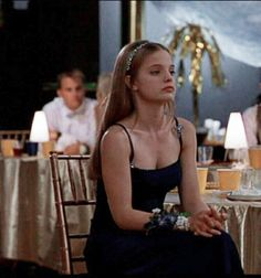 Image uploaded by 𝖆𝖓𝖌𝖊𝖑𝖎𝖈𝖆. Find images and videos about girl, beautiful and pretty on We Heart It - the app to get lost in what you love. Pretty People, Beautiful People, Mena Suvari, Living In London, Girl Next Door, Aesthetic Girl, Just In Case, Cool Girl, Hairstyle