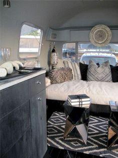 Best Camper Interiors - I ❤️ Airstream - Camper Interior Design, Motorhome Interior, Trailer Interior, Rv Interior, Interior Decorating, Interior Ideas, Decorating Ideas, Interior Natural, Simple Interior