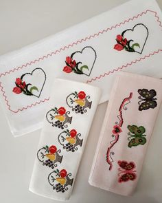 Cross Stitch Baby, Hand Towels, Bookmarks, Cross Stitch Flowers, Crafts For Kids, Cross Stitch Embroidery, Towels, Crafts, Scrappy Quilts