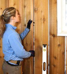 Installing Board-and-batten Siding - How to Install Siding. Board And Batton Siding, Board And Batten Exterior, Wall Exterior, Exterior Siding, Ranch Exterior, Garage Shed, Garage Plans, Design Websites, Home Renovation