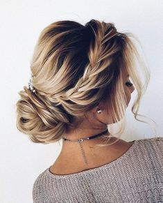 17 Best Hair Updo Ideas for Medium Length Hair fancy hair updos casual hair up styles simple easy updos side hair updo cute wedding hairstyles for medium hair # formal Hairstyles Cute Wedding Hairstyles, Easy Formal Hairstyles, Easy Updo Hairstyles, Hairstyle Ideas, Hair Ideas, Black Hairstyles, Amazing Hairstyles, Hairstyles Pictures, Homecoming Updo Hairstyles