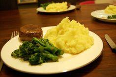 Aardappelpuree met knolselderij en geroosterde knoflook