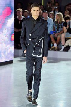 Off centre.  /// John Galliano Spring/Summer 2013  #fashion #menswear