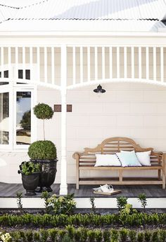 Dulux Antique White USA on the walls, which looks lovely as it is in shadow and you can really see the creamy underlying colour. The trim in Dulux Vivid White Exterior Paint Colors, Exterior Design, Interior And Exterior, Antique White Usa, Weatherboard Exterior, Front Verandah, Front Porch Bench, Front Porches, Front Deck