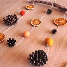 Fall in love with fall : DIY Deco Orange, Fall Diy, Falling In Love, Berries, Hair Accessories, Stud Earrings, Halloween, Happy, Christmas