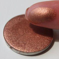 NABLA Cosmetics - RUST Nabla eyeshadow Beautiful swatch by @themakeupstatement