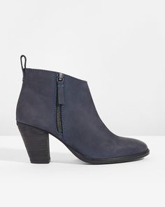 Ansti Ankle Boot | J