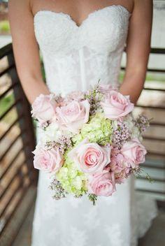 Różowo-zielony bukiet ślubny