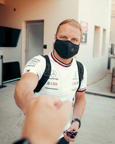 Valtteri Bottas, F1 Drivers, Ubs, Comedians, Mens Tops, Wheels, Racing, Wallpaper, Fashion