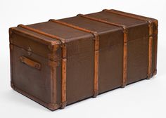 00045688-15A97-leather-travel-trunk-vintage-i