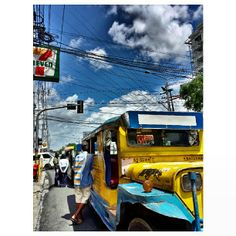 #jeepney #bluesky #sky #clouds #philippines #青空 #空 # 雲 #フィリピン #ジープニー