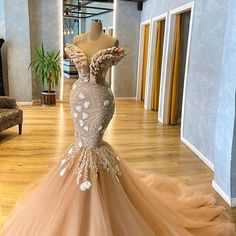SHE LOVES DRESSES !!! (@she.loves.dresses) • Instagram photos and videos Sexy Dresses, Evening Dresses, Formal Dresses, Other Outfits, Luxury Dress, Classy Outfits, Wedding Gowns, Couture, Bridal