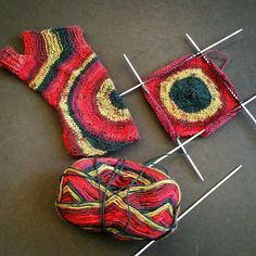 Baby Knitting Patterns Mittens Wollke Sieben: The Coolest Gauntlets Ever! Crochet Gloves Pattern, Baby Knitting Patterns, Knit Crochet, Crochet Patterns, Kids Knitting, Knitting Scarves, Beginner Knit Scarf, Knitting For Beginners, How To Start Knitting