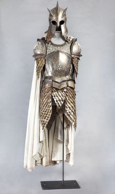 The armor of The Kingsguard. #gameofthrones #westeros #fashion    PHOTO CREDIT: Chasi Annexy Photography