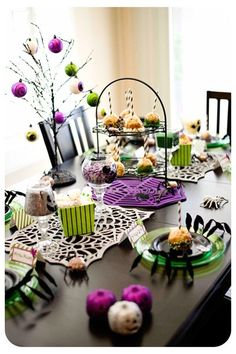 halloween table - foamy table runners