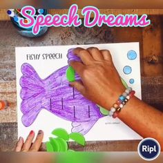 This fish craft will be a hit during summer speech therapy or the end of the year! This easy to make craft is great for working on articulation, apraxia, fluency, phonology, or language skills. #speechtherapy #articulation #speechpathology