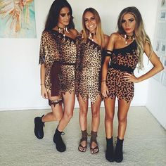 44 Most Perfect College Halloween Costume Ideas For Party - Artbrid - Hot Halloween Costumes, Halloween Kostüm, Halloween Outfits, Halloween Photos, Women Halloween, Vintage Halloween, Halloween Makeup, Disney Outfits, Cavewoman Costume