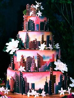 @KatieSheaDesign ♡❤ I've seen a lot of skyline cakes, but this one takes the cake. :D By Colette's Cakes.