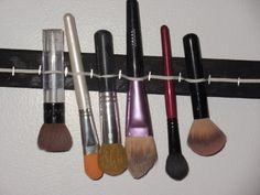 DIY Makeup Brush Drying Rack | Dollface by Jules Savannah's Beauty Agency