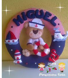 Personalizado nas cores e tema de sua preferência!! Baby Crafts, Felt Crafts, Diy And Crafts, Felt Wreath, Fabric Wreath, Baby Shawer, Bebe Baby, Felt Decorations, Banner