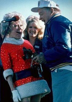 Phyllis Diller Christmas   173-413 Bob Hope and Phyllis Diller at Hope's USO Christmas Show