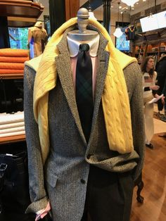 Polo Fall 2018 Encore: 45 More Mannequins - Ivy Style Polo Shirt Outfits, Preppy Outfits, Polo Suits, Shirt And Tie Combinations, Ralph Lauren Suits, Herringbone Blazer, Ivy Style, Preppy Mens Fashion, Prep Style