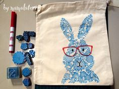 Bunny bag Bunny bag The post Bunny bag appeared first on Best Pins. Bunny bag Bunny bag The post Bunny bag Stamp Printing, Printing On Fabric, Screen Printing, Fabric Crafts, Paper Crafts, Eraser Stamp, Bunny Bags, Diy Cadeau, Painted Bags
