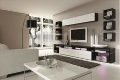 rangement salon moderne, mobilier blanc laqué et tapis shaggy
