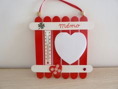 "Planchette St Valentin ""thermo mémo"" avec bloc note : Décorations murales par coccinelles-et-compagnie Craft Stick Crafts, Diy And Crafts, Popsicle Sticks, Wooden Crafts, Valentines Day, Activities, Christmas Ornaments, Holiday Decor, Parents"