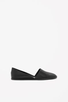 COS   Flat leather shoes