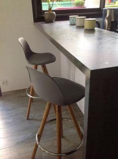 Galiane meubles et mobilier design chaises fauteuils for Chaise pour bar cuisine