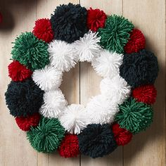 KRINGLE 8ply Pompom Wreath