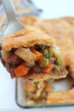 Easy Beef Pot Pie uses store bought Crescent Rolls and frozen veggies, it is a super simple family friendly dinner idea. Can also use store-bought refrigerated Pillsbury pie crusts instead of Crescent rolls. Crescent Roll Recipes, Crescent Rolls, Beef Recipes For Dinner, Cooking Recipes, Pie Recipes, Beef Pot Pies, Meat Pies, Pillsbury Recipes, Beef Dishes