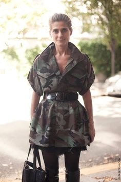 This coat dress screams 'alter a thrifted camo coat, then belt'. Camouflage Fashion, Camo Fashion, Military Fashion, Diy Fashion, Fashion Outfits, Looks Style, My Style, Army Look, Coat Dress