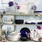 Pretty plates in blue, black and white Grey Stuff, Kitchen Shelves, Beautiful Space, Country Decor, Cool Kitchens, Shelving, Inspiration, Furniture, Vintage