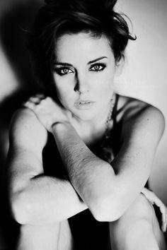Jessica Stroup as Kiera....love it