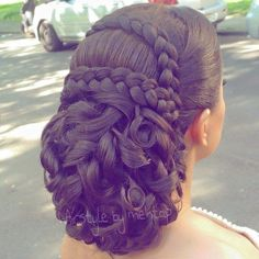 """Find and save images from the """"♛ Beauté ♛"""" collection by Eva ♛ (ICastro) on We Heart It, your everyday app to get lost in what you love. Quince Hairstyles, Fancy Hairstyles, Bride Hairstyles, Bridal Hair And Makeup, Hair Makeup, Hair Upstyles, Hair Due, Quinceanera Hairstyles, Natural Hair Styles"""